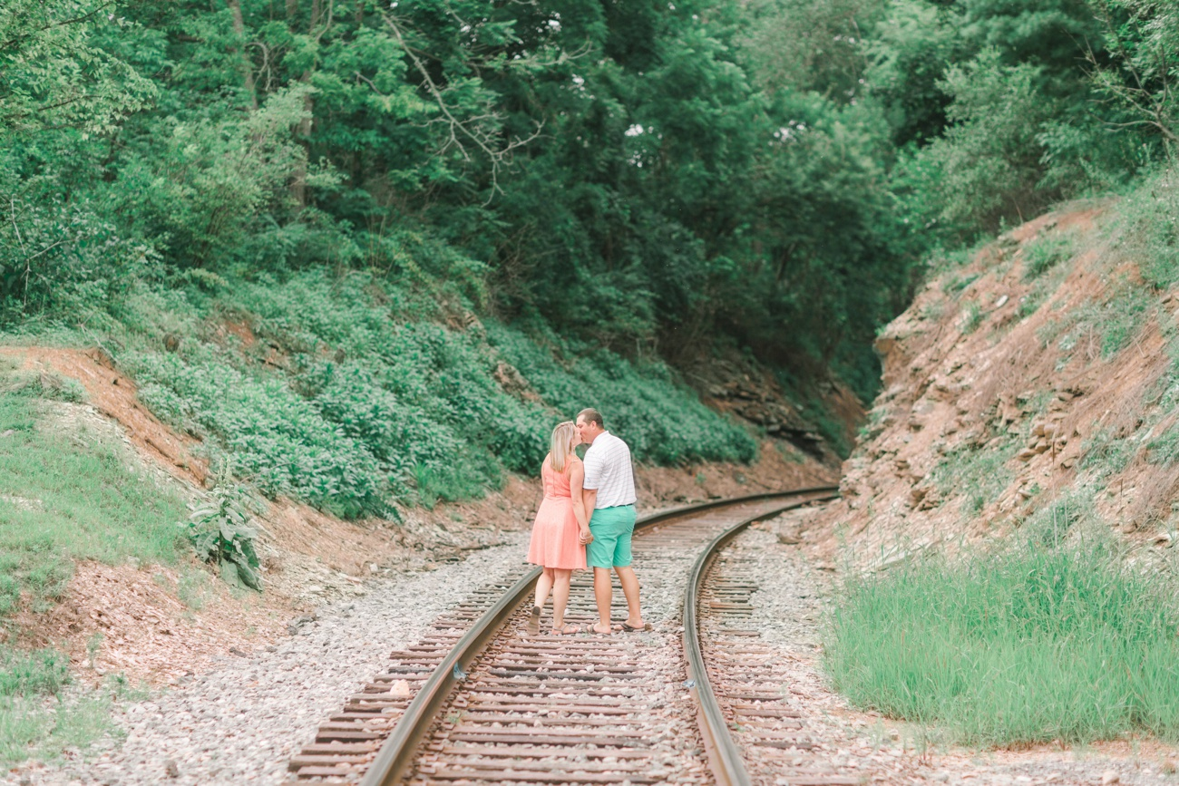 View More: http://jessgreenphotography.pass.us/lindsey-clay-engaged